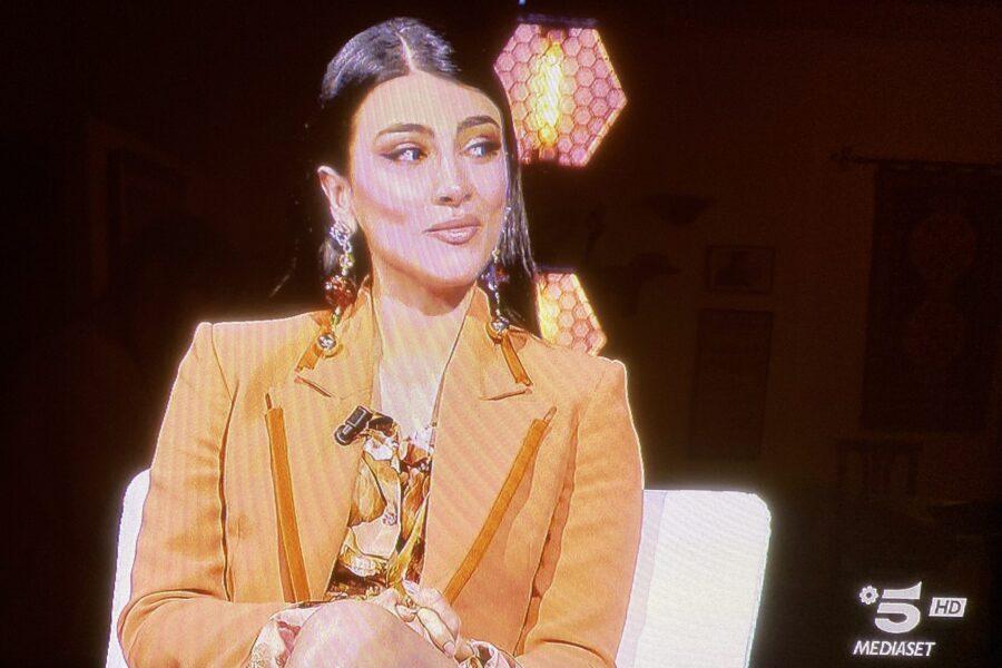 Cecilia Rodriguez ospite di stasera. Commentiamo il look delle donne dell'isola !!!