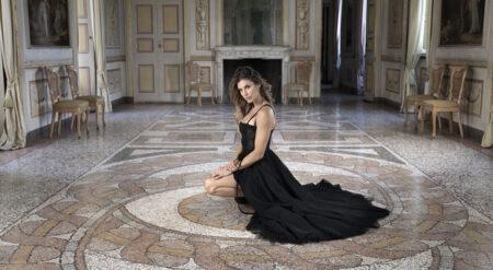"""Elisabetta Canalis torna in tv con """"Vite da Copertina"""""""