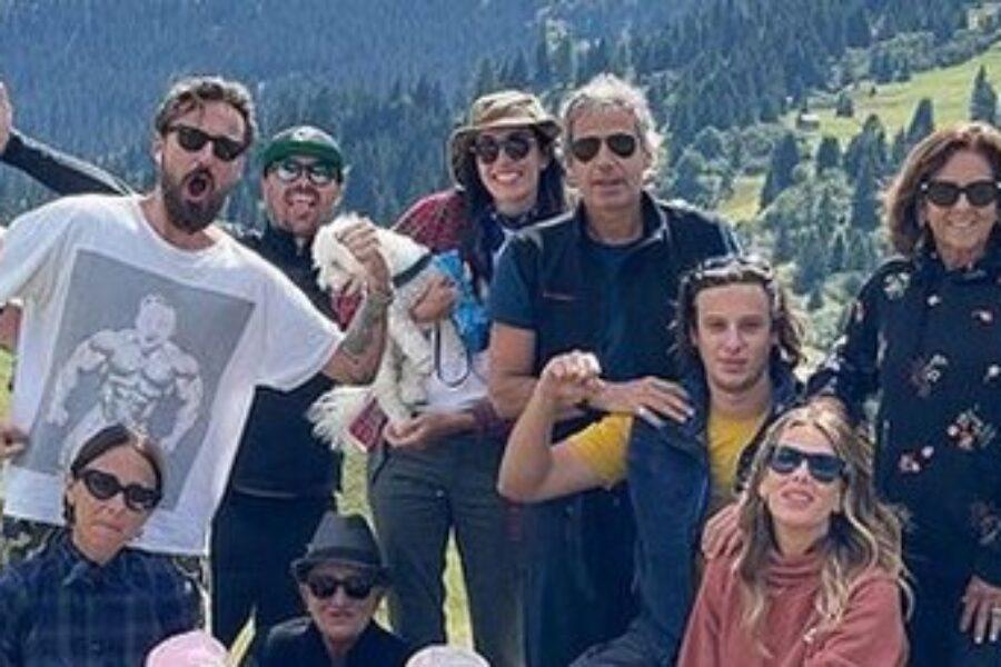 Francesco Facchinetti e Alessia Marcuzzi di nuovo insieme per il compleanno della figlia Mia: «Come un'unica grande famiglia»